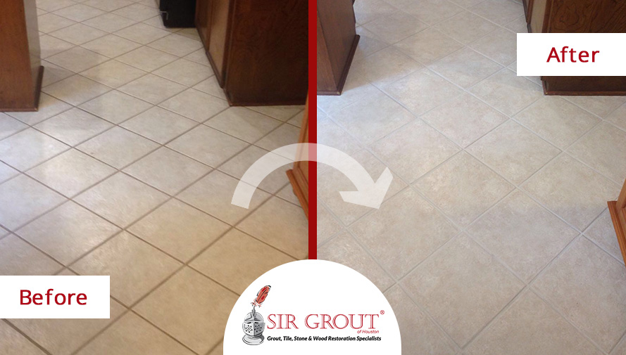 Before and After Picture of a Grout Cleaning in Spring, Texas