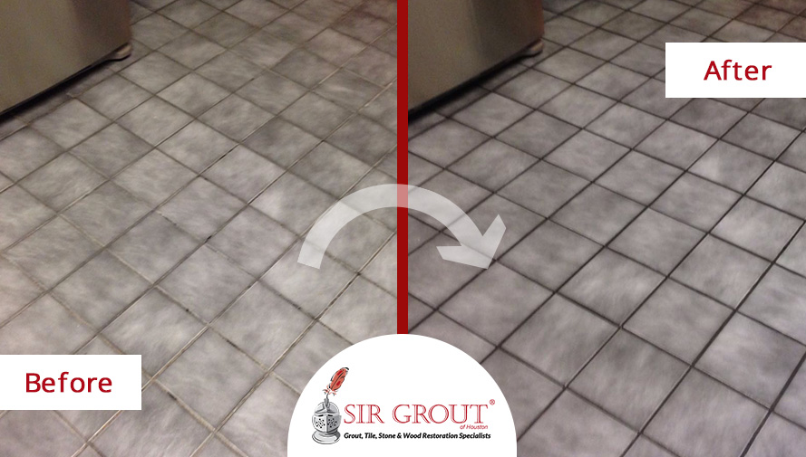 Before and After Picture of a Grout Recoloring Service in Houston, TX