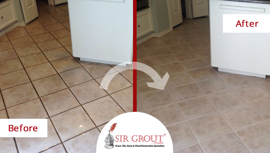 Before and After Picture of a Grout Recoloring in Houston, Texas