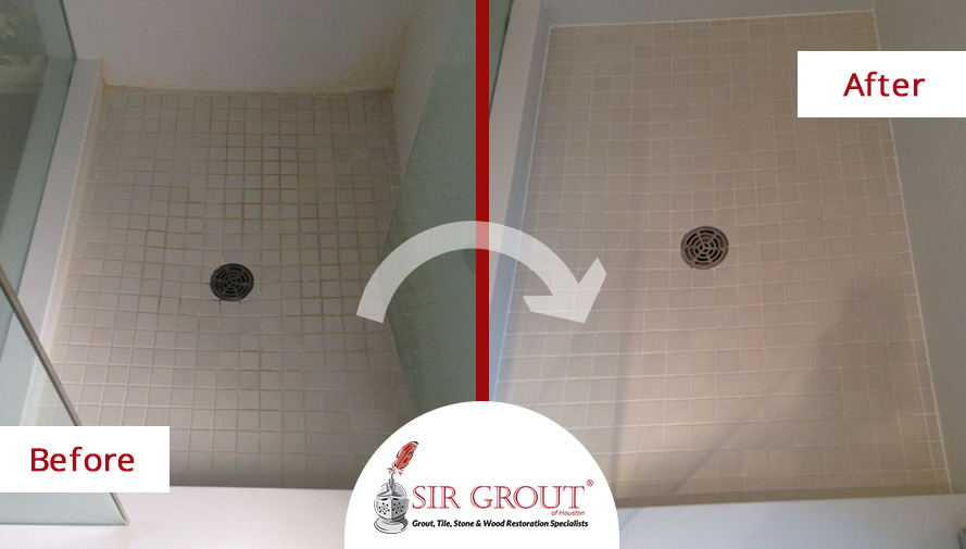 Before and After Picture of a Grout Cleaning Service in Houston, TX