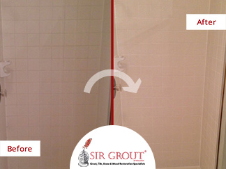 Before and After Picture of a Color Seal and Caulking Service in Houston, TX